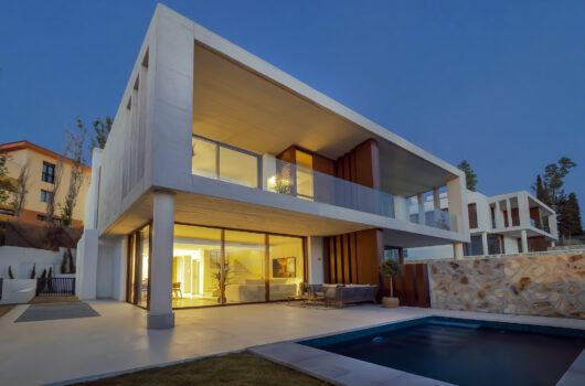 /property/luxury-semi-detached-villa-next-to-puente-romano-mas571346