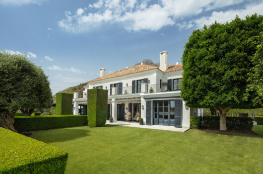 /property/elegant-luxury-villa-in-los-picos-marbella-golden-mile-mas639546