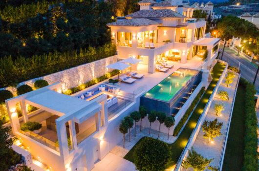 /property/brand-new-modern-villa-with-panoramic-sea-views-in-la-quinta-mas245655